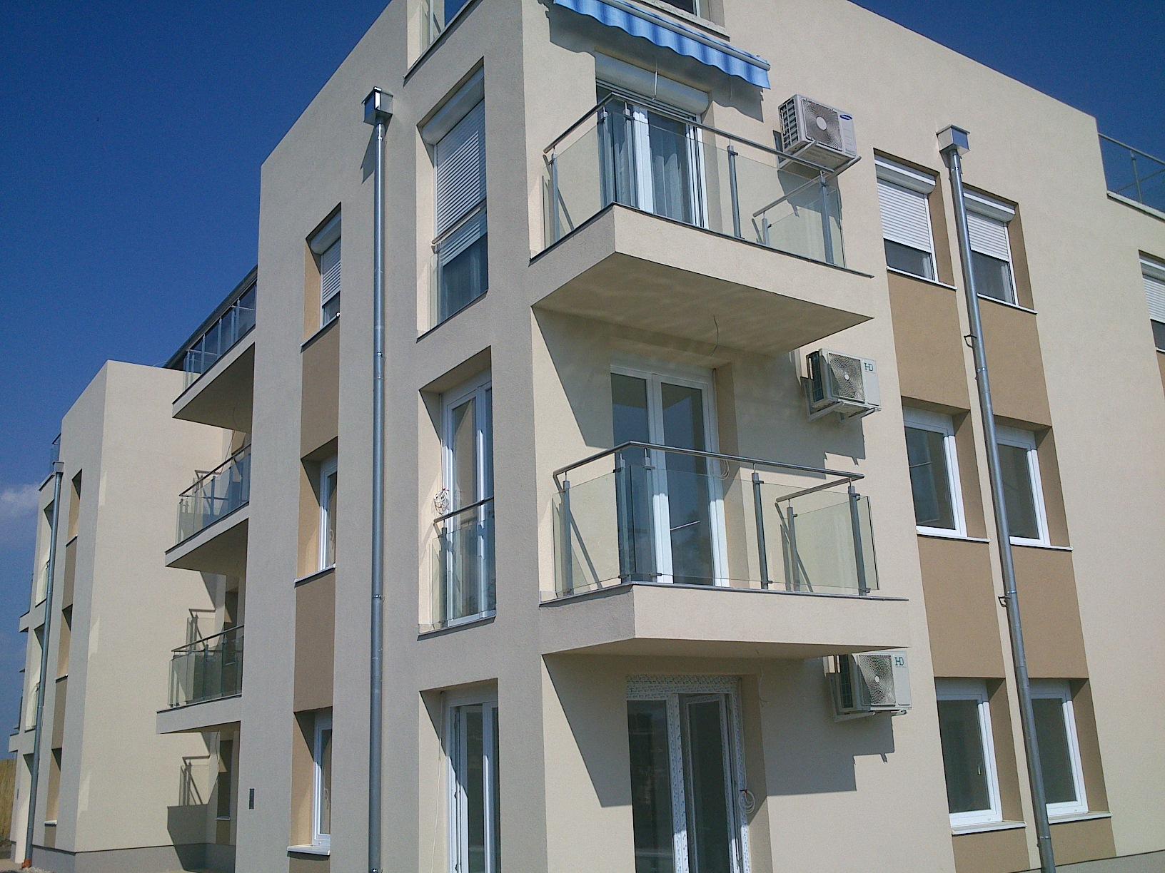 Üvegbetétes inox erkély korlát